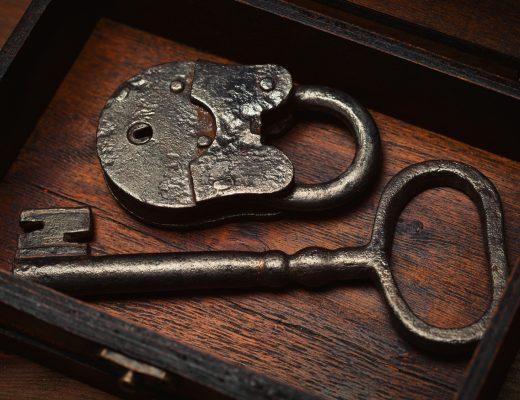 Kanatlar | Asma Kilit | Anahtar | Eski
