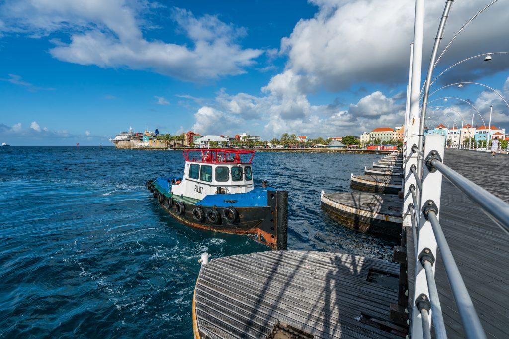 Yazı: Curaçao | 2 | Yazan: Emel Erem