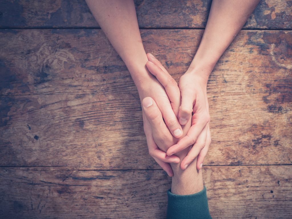 Öykü: Bana Ellerini Ver | Yazar: Nurdan Yılmaztürk
