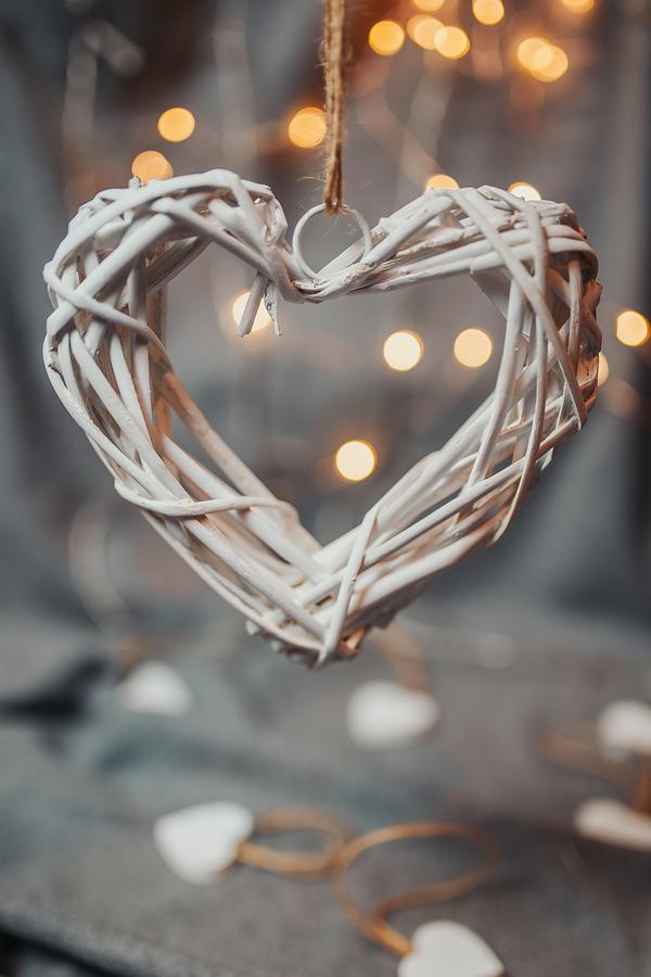 Yazı: Sevgililer Günü | Batı'nın Metalaştırdığı, Doğu'nun yas Günü | Yazan: İlhan Vardar