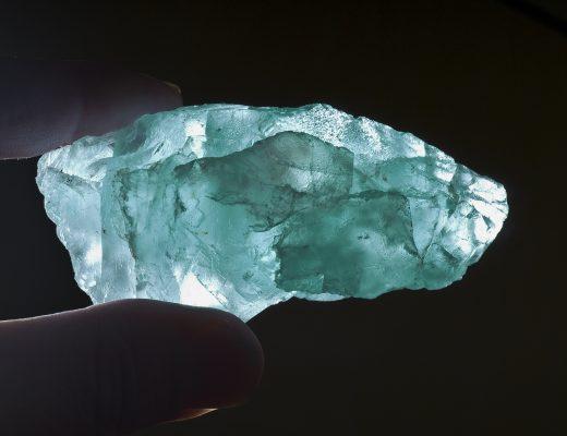 ışıldayan taşlar
