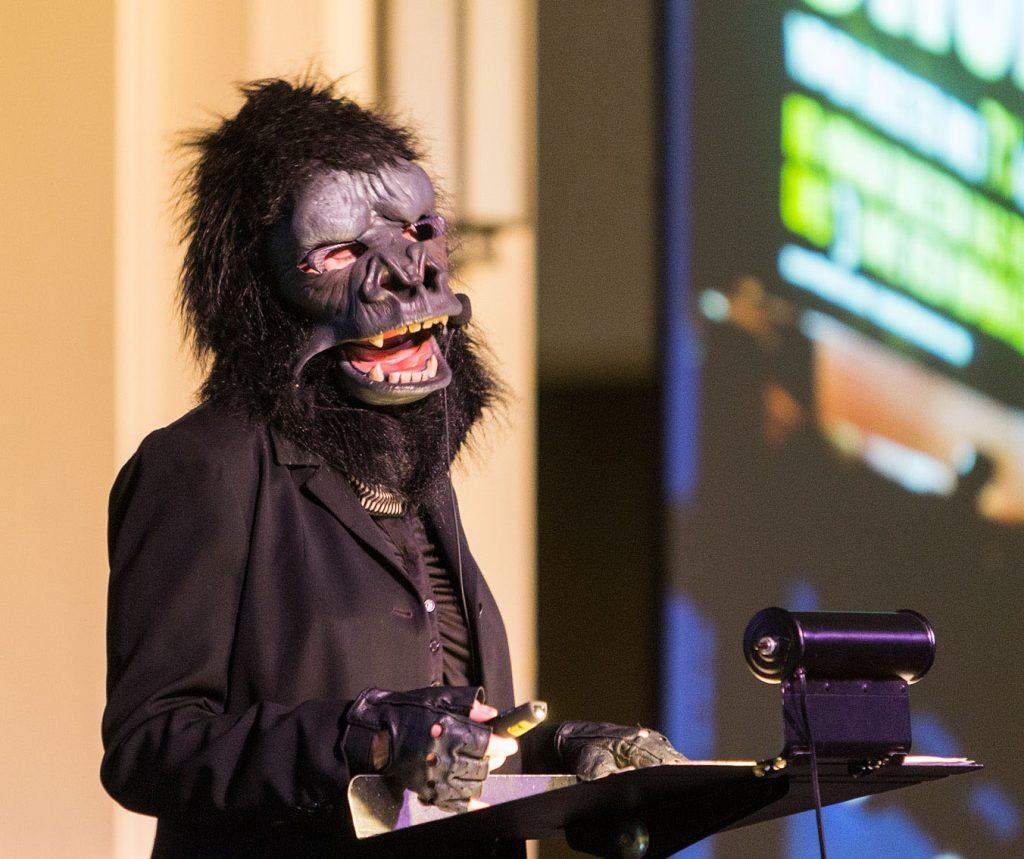 Yazı: Goril Maskeli Gerilla Kızlar   Yazan: Pelin Erem