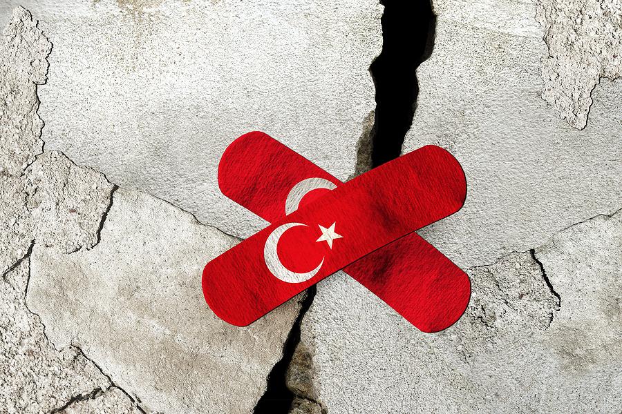 Şiir: Yıkıntı Umutları | Yazan: Mehmet Gökcük