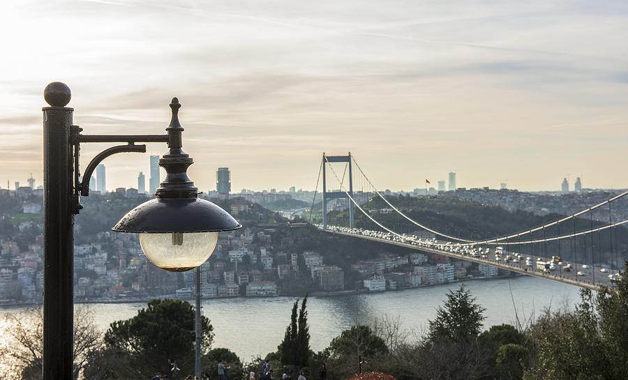 Şiir: Tahtım İstanbul   Yazan: Mehmet Gökcük