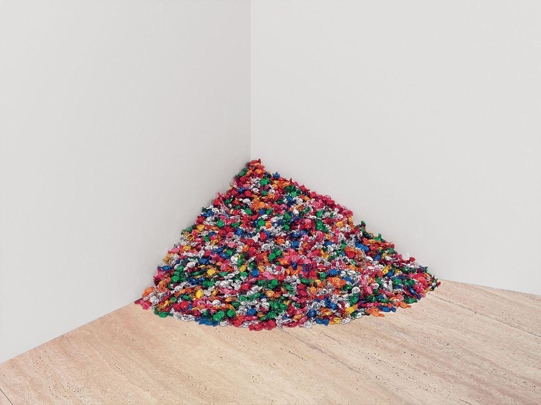 Yazı: Hiç Bitmeyen Şekerlerden Bir Tane de Siz Alın | Yazar: Pelin Erem